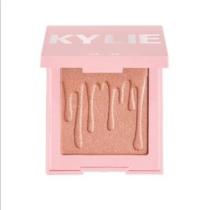 Kylie Cosmetics - Pressed Illuminating Powder